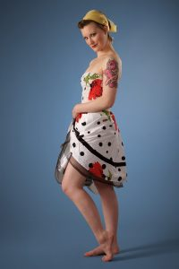 Pin-Up in a Summery Frock 1