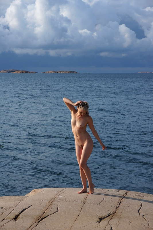 Nude Under Heavy Clouds 9