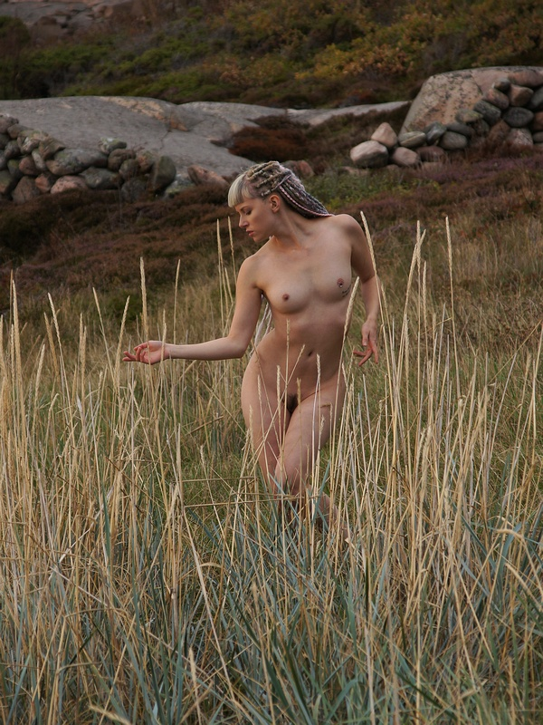 Nude in Sand Grass 1